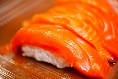 サーモンお寿司