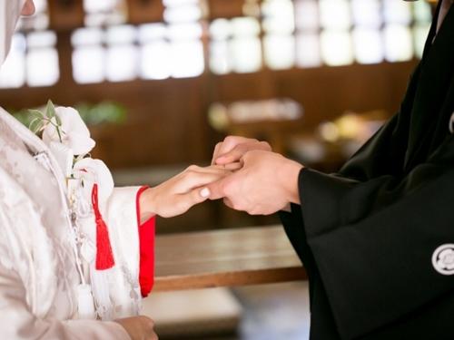 家制度とは?結婚したら夫の家の籍に入るの!?現代はこうだよ!!